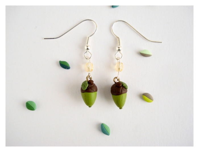 Acorn dangle earrings