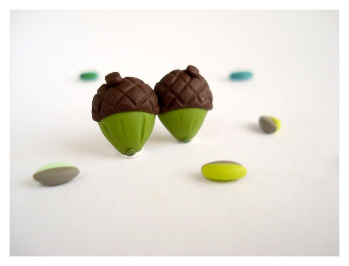 Acorn post earrings