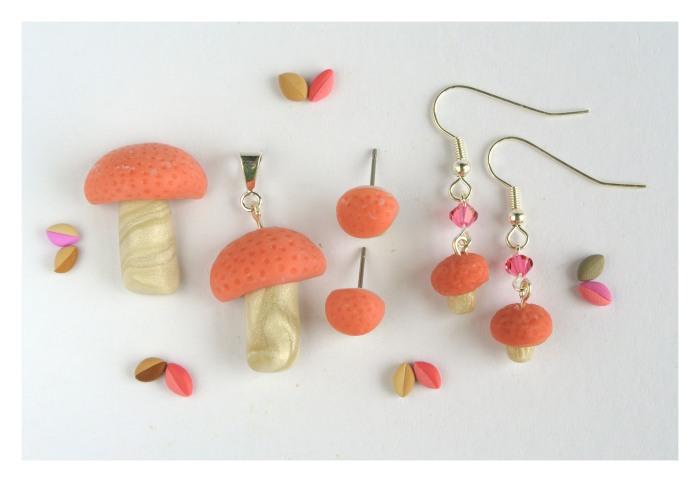Wrinkled peach jewelry