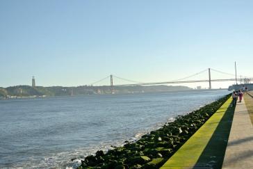 The view of bridge 25 de Abril from Cais sodré