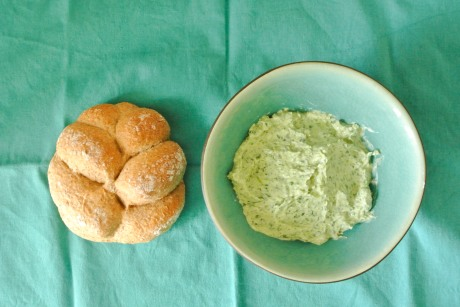 Coriander and ricotta spread