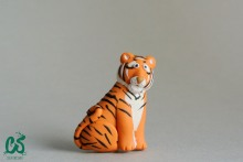 The Bengal tiger brooch posing for the photograph